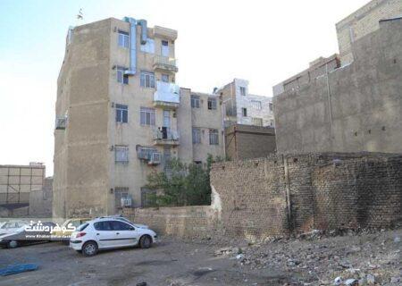 شهرداران مناطق بعضأ چشم خود را به روی تخلفات ساختمانی بسته اند