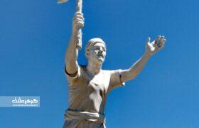 گزارشی از نصب مجسمه دهقان فداکار در حصارک کرج